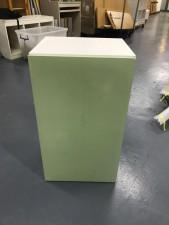 全新陳列品 重細心夾板 有門層櫃 (綠色款), 可用作層櫃或吊櫃 16*14*28