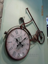 全新單車掛鐘  (90*7*72CM)咖啡色w1319