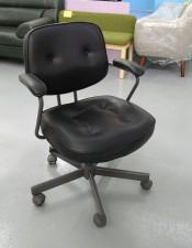 黑色椅子25*24*33-37