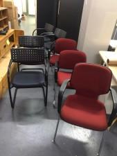 椅子 (黑色4張, 紅色2張, 每張$150) #2104038