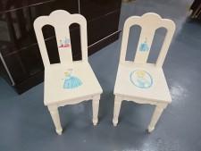 兒童椅子2張  14*17*29
