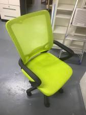 油壓椅 ($200一張, 共有3張) 22*20
